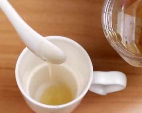 泡蜂蜜水用凉水好还是开水好