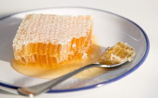 为什么蜂巢蜜比蜂蜜要更贵?